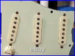 2015 Fender Classic 60's LOADED PICKGUARD Vintage Reissue Strat Guitar Relic