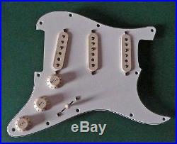 Fender Clapton Vintage Noiseless Loaded Strat Stratocaster Pickguard White