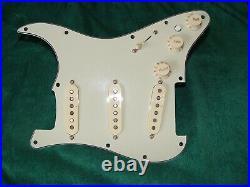 Fender Deluxe Strat LOADED PICKGUARD Stratocaster Noiseless Pickups