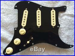 Fender Loaded Strat Pickguard CS Texas Special Cream / Black 8 Hole 7 Way Squier