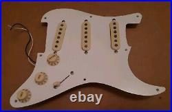 Fender Stratocaster Classic 50's loaded pickguard alnico pickups CTS 57 Strat