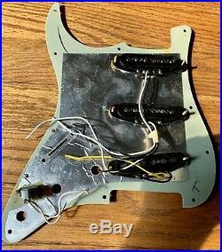 Fender Stratocaster Loaded Pickguard Noiseless Pickups, Strat Tortoise Deluxe
