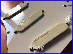 Fender USA Strat Plus loaded Pickguard Lace Sensor Gold