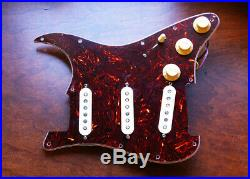 Fender Vintage Noiseless Clapton Loaded Strat Pickguard TBX Mid Boost Tortoise