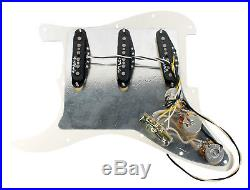 Fender Vintage Noiseless TBX Loaded Strat Pickguard Parchment / Aged White