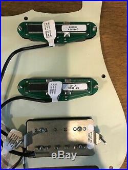 Fender strat loaded DiMarzio pick guard DP 187/DP 224 Bourns pots