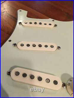 Genuine Fender Strat Classic 50s 60 Alnico Pickups Stratocaster Loaded Pickguard