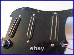 New Pickguard Loaded STRATOCASTER 3 Hot Rails 9,3k Black For Guitar STRAT